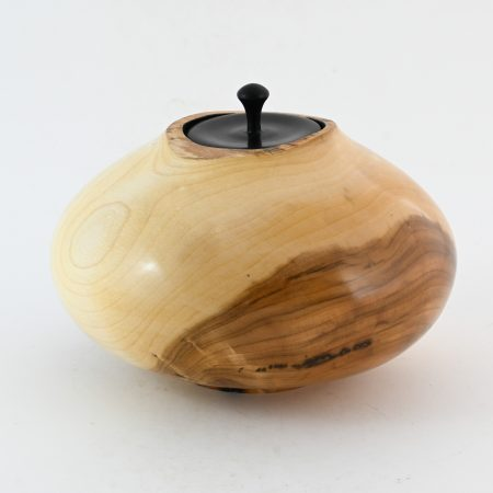 "Houten urn ""Eye Apple"""
